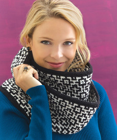 Graphic Mosaic Cowl