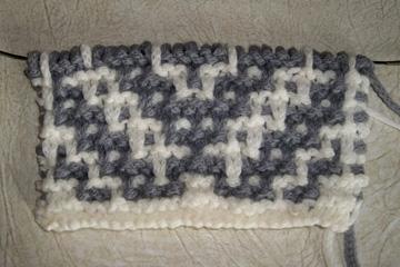 Mosaic blanket gauge swatch