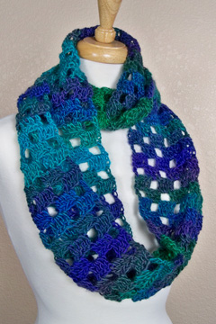 Unforgettable Checkerboard Cowl