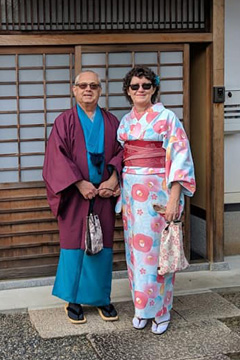 Jim and Susan in kimonos